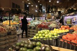 Illinois Grocery Stores Go All Out to Reduce Food Waste